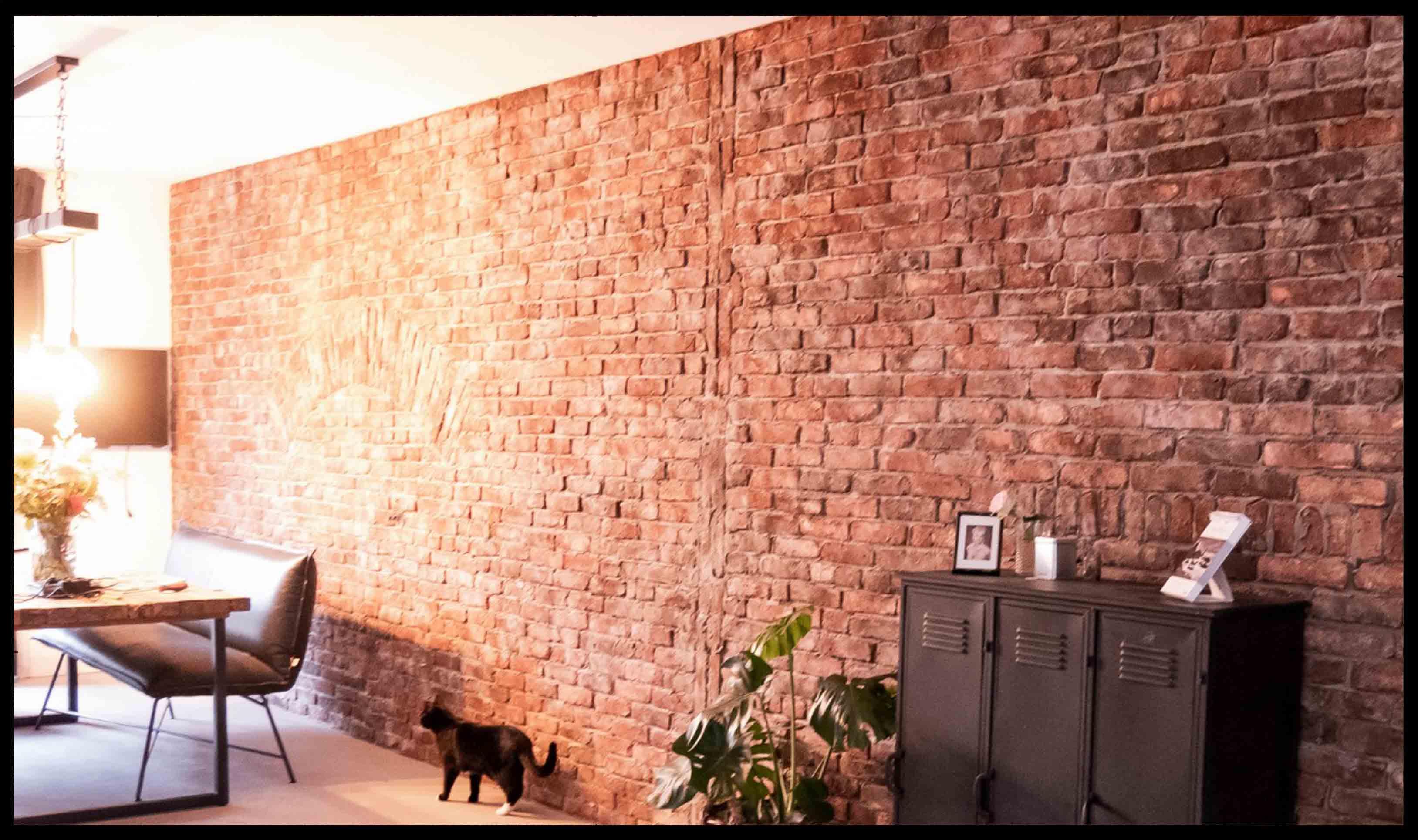 Levensechte stonepress steenstrips voor realistische oude bakstenen muren in uw interieur en inrichting